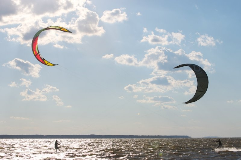 Kiteboarding at Jockey\'s Ridge with Dimitri adn Epic Kites