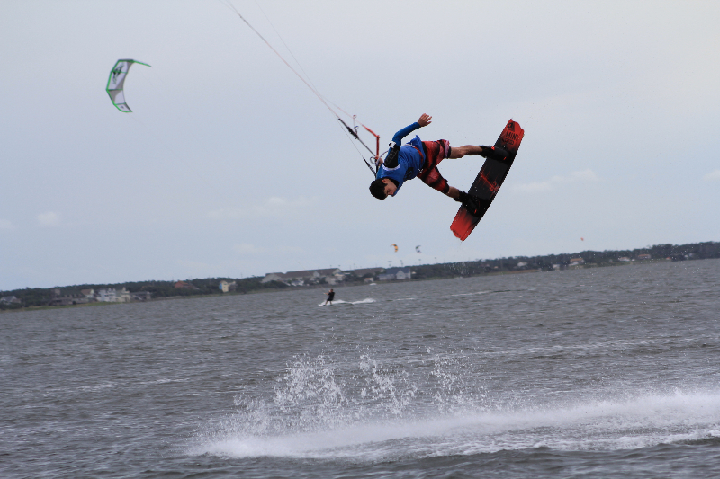 img_8230Triple S at Kite Point, Avon, NC with Kite Club Hatteras. Handle Pass KIteboarding Tricks