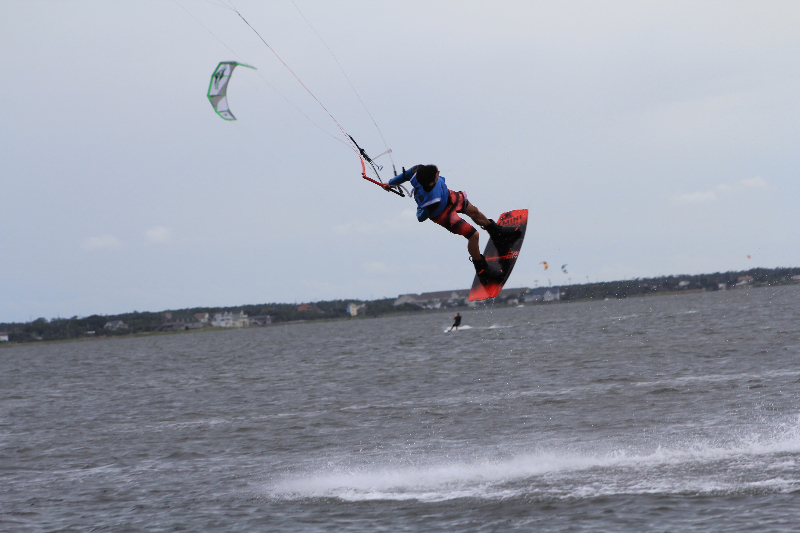 img_8231Triple S at Kite Point, Avon, NC with Kite Club Hatteras. Handle Pass KIteboarding Tricks