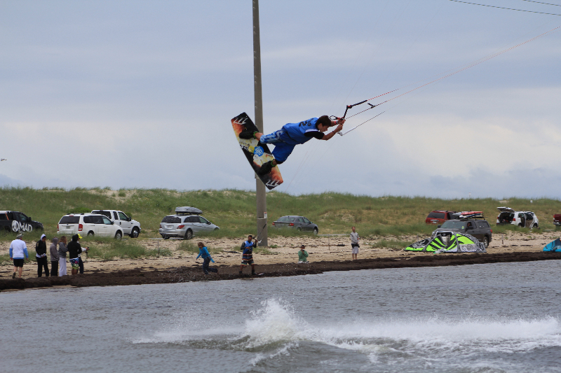 Triple S at Kite Point, Avon, NC with Kite Club Hatteras. Handle Pass KIteboarding Tricks