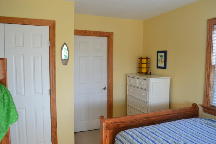 Shared Bunk Room at Kite Club Hatteras Guest House