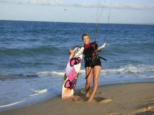 Women Kiting Oceanside