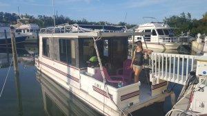 Houseboat Living